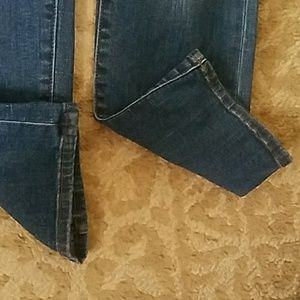 Kut from the Kloth Jeans - Lightly distressed KUT jeans size 6